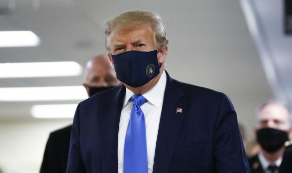 Минздрав США редактировал отчеты поCovid-19, помогая Трампу
