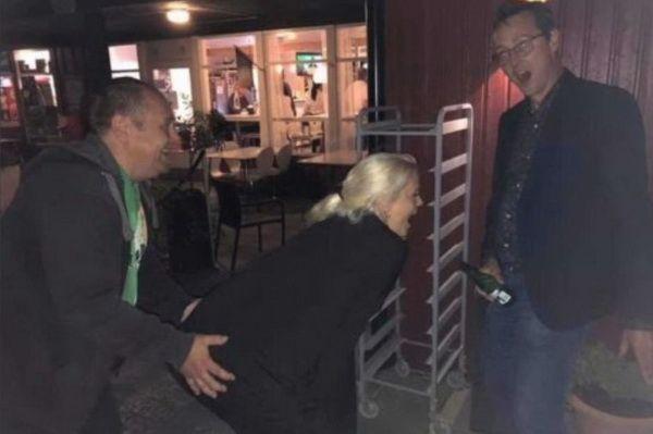 Муниципальный депутат возмущена групповым сексом