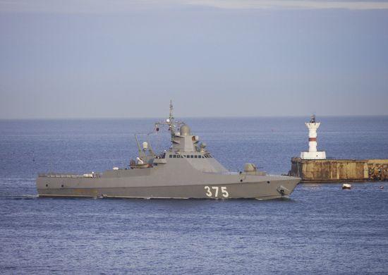 94727b8d0fbad2438c3fcdbb569c1 ВКрымской военно-морской базе отработали обеспечение безопасности судоходства
