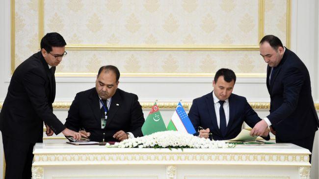 Туркмения и Узбекистан договорились о создании торговых домов