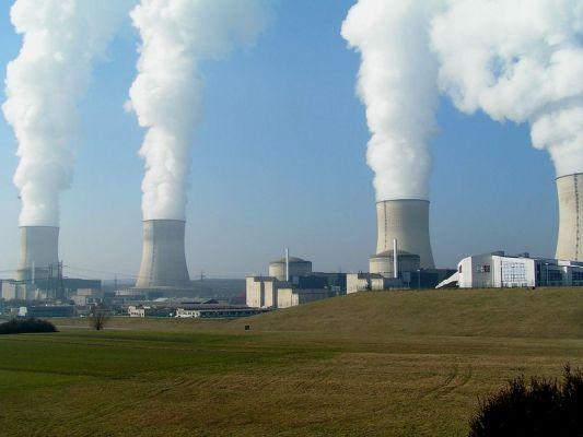 Выработка электроэнергии во Франции сократилась из-за забастовки на 4 ГВт