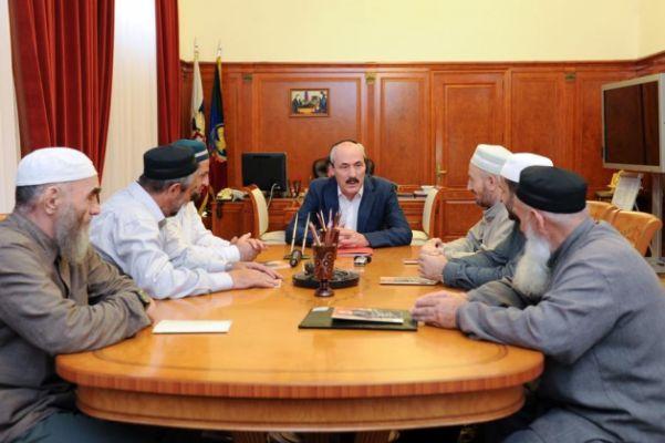 «Народ против коррупции»: дагестанские суфии на выборах бросают вызов власти