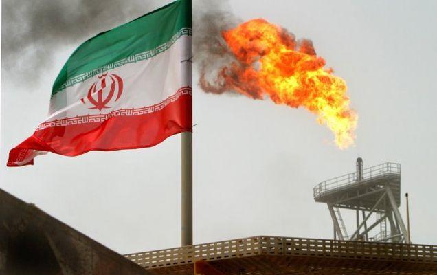 В США считают, что Китай увеличит закупки нефти из Ирана: WSJ