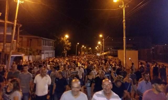 Акции протеста в Ереване становятся все более массовыми