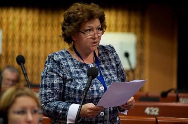 Армянский депутат наговорила по сотовому на $ 4000, а платить — гражданам
