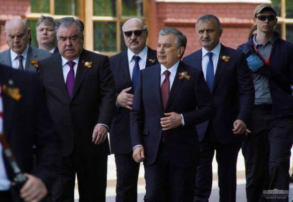 Президенты Абхазии иЮжной Осетии поздравили непризнающего ихЛукашенко