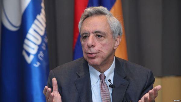 Экс-глава МИД Армении Вардан Осканян допрошен по делу о событиях 1 марта – СМИ