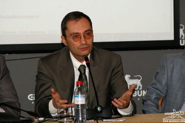 Игра «ва-банк» с Арменией опасна для самого Азербайджана — интервью