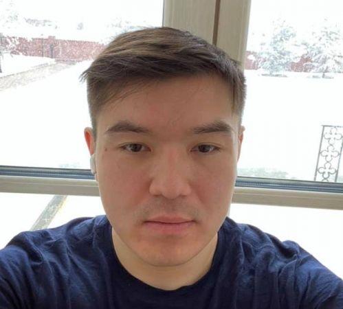Внук Назарбаева попросил прощения у родных