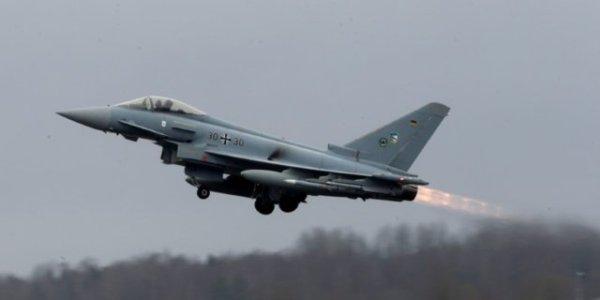В Германии разбились два истребителя, судьба одного пилота неизвестна (видео)