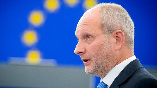 Евросоюз потребовал от Киева «забыть» о поддержке украинских производителей
